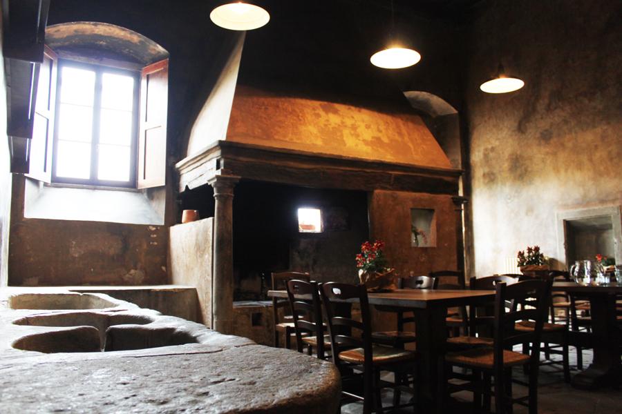 La struttura antico spedale bigallo for Acquaio cucina